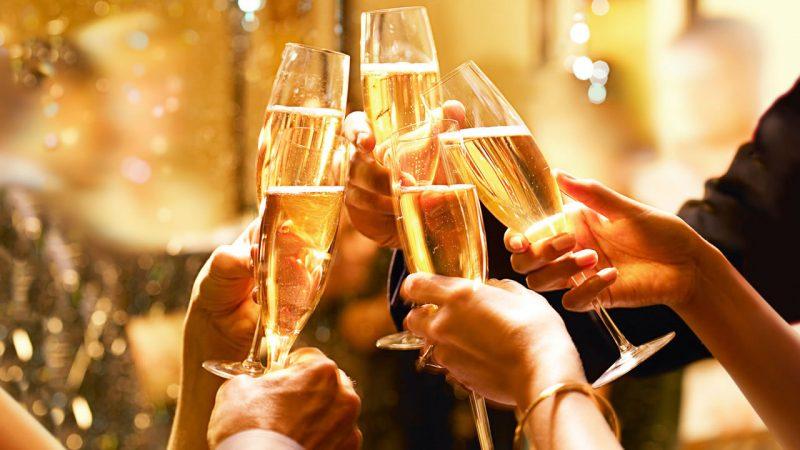 Champagne-cheers-800x450